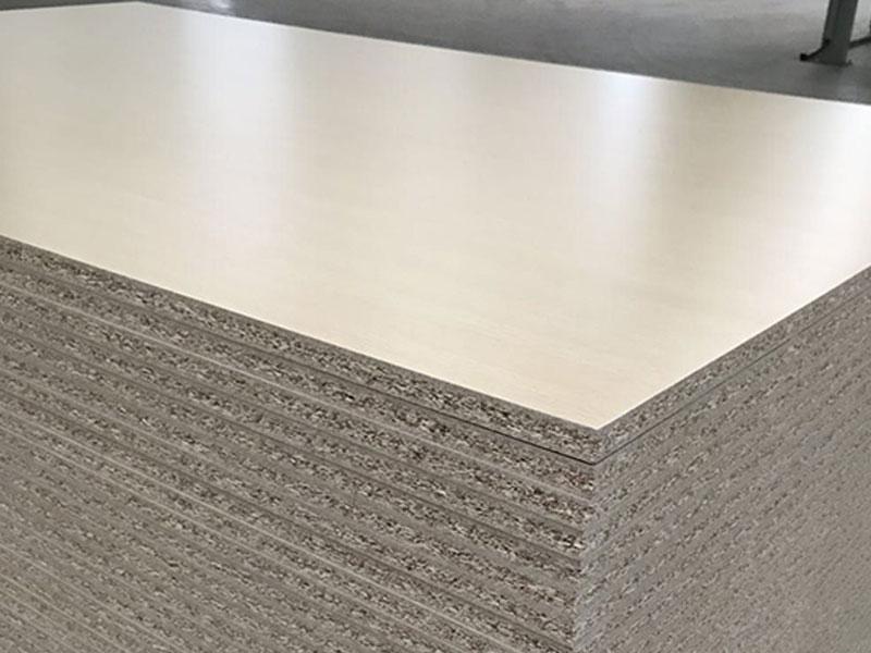 贴面板和实木多层板哪种板材比较好